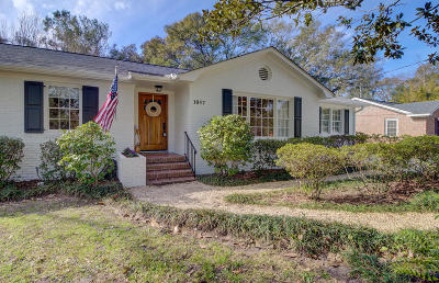 Mount Pleasant Single Family Home For Sale: 1057 Cottingham Drive