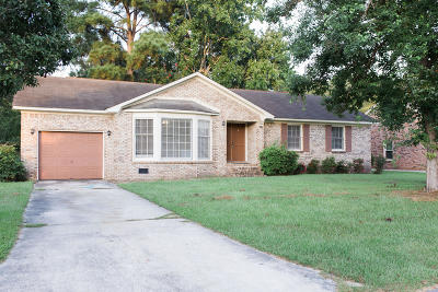 Goose Creek Single Family Home Contingent: 107 Winston Way