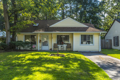 Ladson Single Family Home For Sale: 185 Mickler Drive
