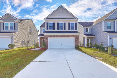Summerville Single Family Home For Sale: 622 Redbud Lane