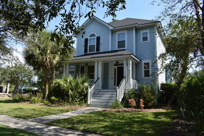 Charleston Single Family Home For Sale: 136 Bounty Street