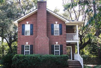 Single Family Home For Sale: 982 Stono River Drive
