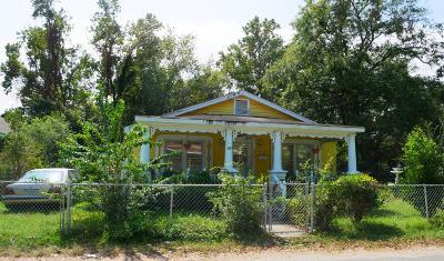 Single Family Home For Sale: 855 Tripe Street