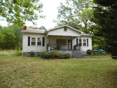 Seneca, Seneca/west Union Single Family Home For Sale: 105 Goddard Ave.