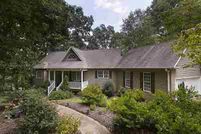 Single Family Home Sold: 290 Penny Lane