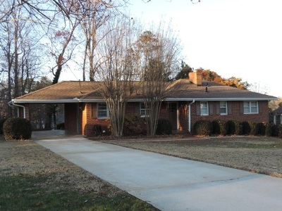 Single Family Home Sold: 409 E Crescent Drive