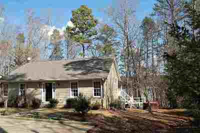 Single Family Home For Sale: 8 Hickory Hill Lane