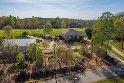 Single Family Home Under Contract: 118 Taxiway