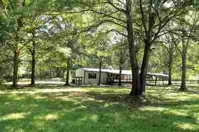 Mobile Home For Sale: 940 Dogwood Lane