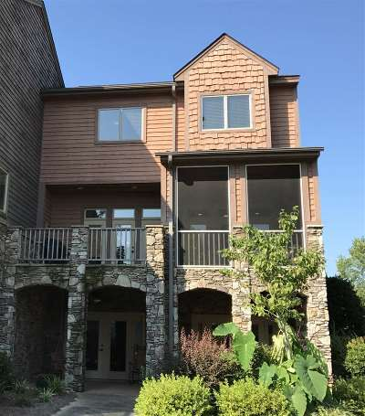 Townhouse For Sale: 574 Sunset Point Drive