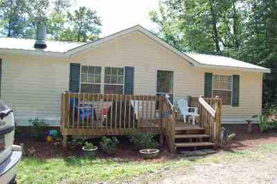 Mobile Home For Sale: 137 Lakeside Drive