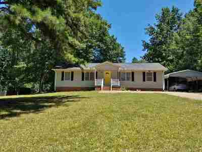 Single Family Home Sold-Co-Op By Mls Member: 1440 James Cox Rd