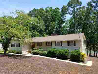 Lavonia Single Family Home Contract-Take Back-Ups: 497 Riverbend Rd