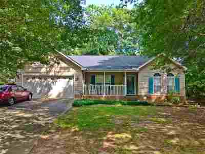 Hunters Glen Single Family Home For Sale: 212 Hunters Ln
