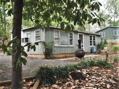 Mobile Home For Sale: 224 Bailey Circle