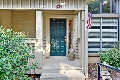 Townhouse For Sale: 137 Harbor Lights Drive