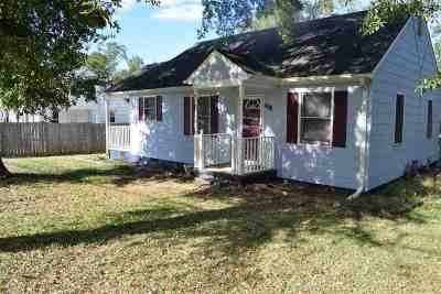 Single Family Home For Sale: 2614 Whitehall Avenue
