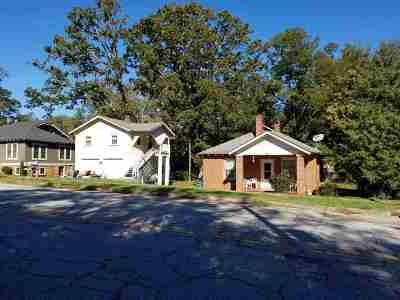 Seneca, Seneca/west Union Single Family Home For Sale: 207 SE 4th