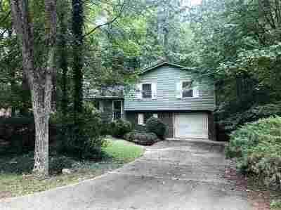 Single Family Home For Sale: 1003 Chickasaw Drive