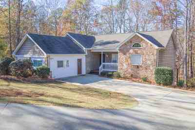 Lavonia, Martin, Toccoa, Hartwell, Lake Hartwell, Westminster, Anderson, Fair Play, Starr, Townville, Senca, Senea, Seneca, Seneca (west Union), Seneca/west Union, Ssneca, Westmister, Wetminster Single Family Home For Sale: 105 Martins Pointe