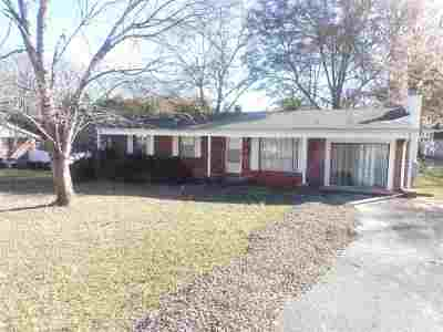 Single Family Home Under Contract: 806 Crouch Dr.