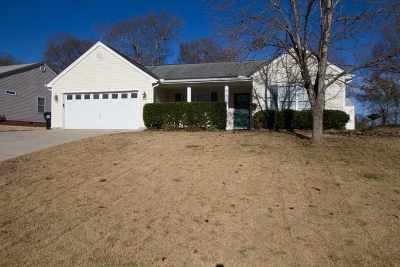 Athens, Anderson Single Family Home For Sale: 1319 Ravenswood Drive