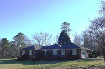 Pendleton Single Family Home For Sale: 1105 Pine Knoll Rd