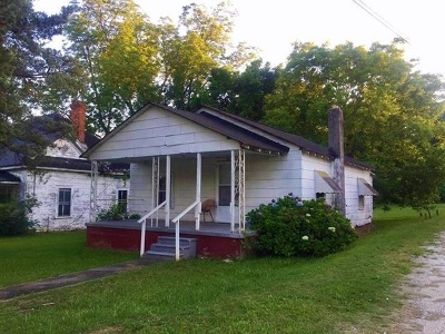 Seneca, Seneca/west Union Single Family Home For Sale: 206 S Oak Street
