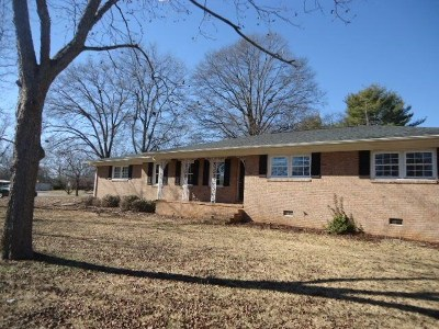 Anderson County Single Family Home Under Contract: 104 Towhee Trail
