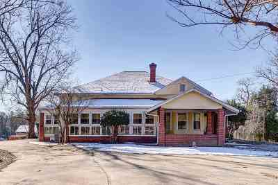 Single Family Home Contingency Contract: 271 Old River Road