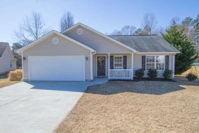 Williamston Single Family Home Contingency Contract: 121 Kensett Drive