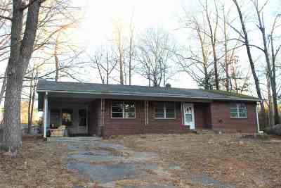 Belton Single Family Home Under Contract: 505 Forest Ln