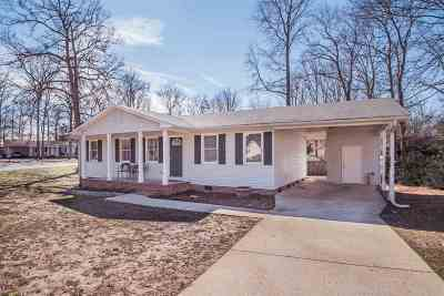 Piedmont Single Family Home For Sale: 1 Pine Needle Road