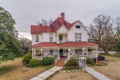 Seneca, Seneca/west Union Single Family Home For Sale: 210 S Townville Street