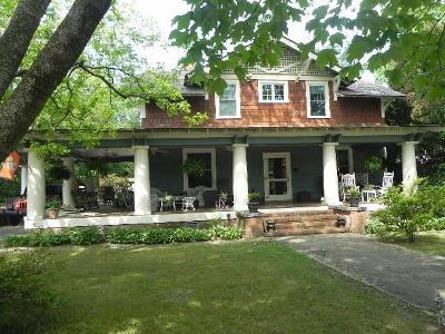 Seneca Single Family Home For Sale: 206 S Fairplay Street