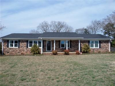 Easley Single Family Home For Sale: 1509 Powdersville Road