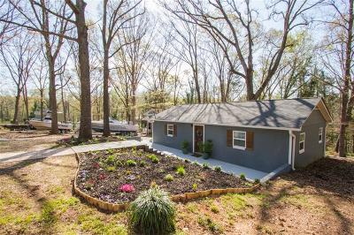 Oak Shores Single Family Home For Sale: 1215 Round About Trail