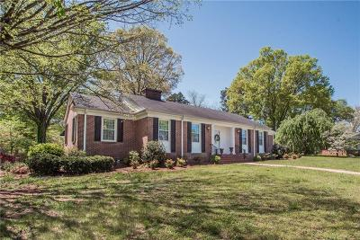 Anderson Single Family Home For Sale: 2704 Bellview Road