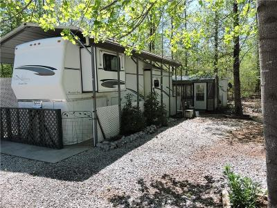 Lavonia, Martin, Toccoa, Hartwell, Lake Hartwell, Westminster, Anderson, Fair Play, Starr, Townville, Senca, Senea, Seneca, Seneca (west Union), Seneca/west Union, Ssneca, Westmister, Wetminster Single Family Home For Sale: 140 Loop Circle