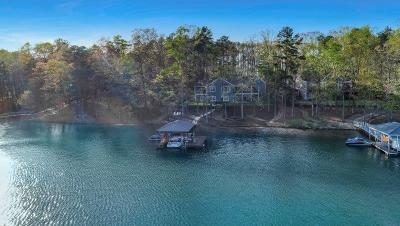 Single Family Home For Sale: 118 Pointe Harbor Drive