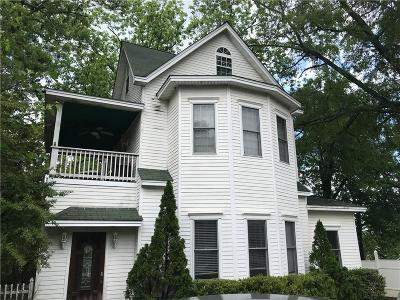 Seneca, Seneca/west Union Single Family Home For Sale: 207 E South 2nd Street