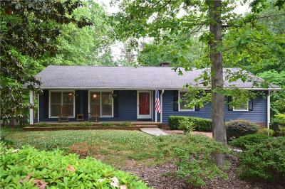 Single Family Home For Sale: 141 Shawnee Trail