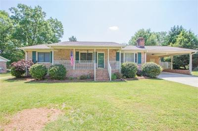 Greenville County Single Family Home For Sale: 18 Konnarock Circle