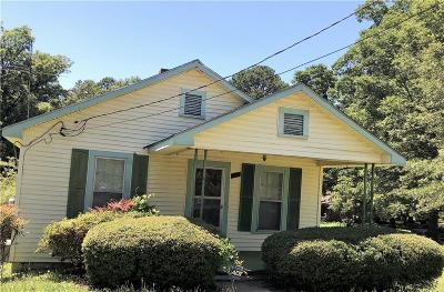 Single Family Home For Sale: 209 N Moore Avenue
