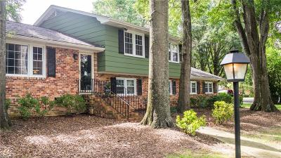 Greenville County Single Family Home For Sale: 102 Rollingreen Road