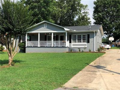 Seneca Single Family Home For Sale: 517a Robinhood Drive