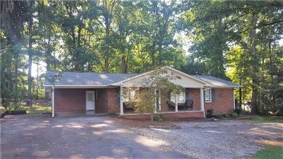 Walhalla Single Family Home For Sale: 520 E Halfway Branch
