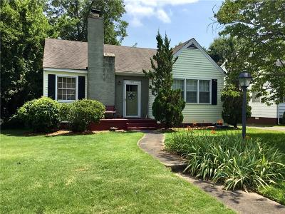 Single Family Home For Sale: 826 Burts Court