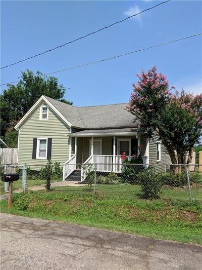 Single Family Home For Sale: 1309 Gilmer Street