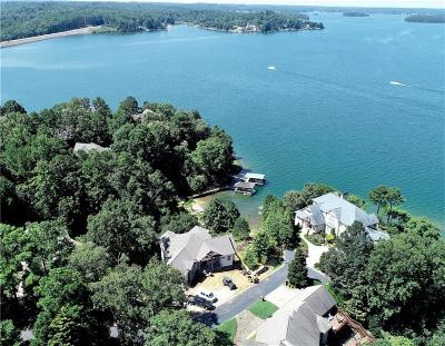 The Summit, Eastshores, Keowee Subdivision, White Oak Cliff, shangri-la, shangrila, Lakewood Estate, Sugar Hill, Port Santorini, Lakeview Height, Eleven Oaks, Waterford Sub, Waterford Pointe - Oconee Single Family Home For Sale: 305 Wynswept Pointe